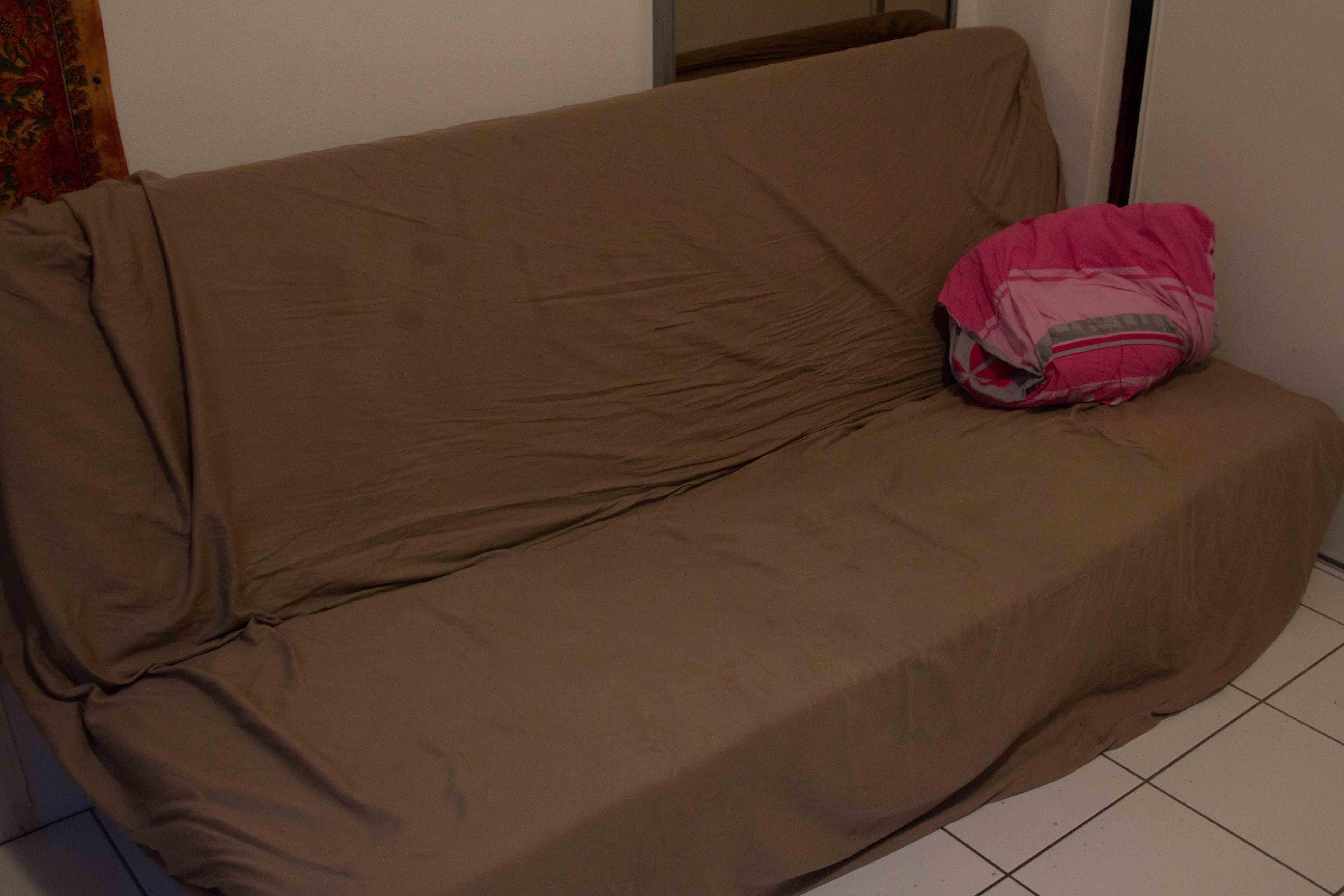 El tercer sofá.
