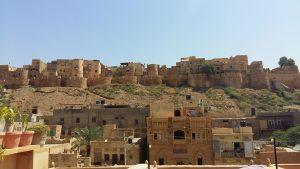La majestuosa fortaleza de Jaisalmer desde nuestra terraza.
