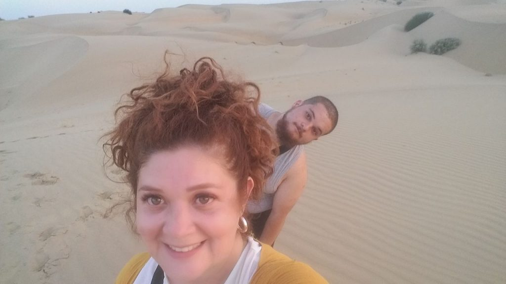 Los dos en medio del desierto